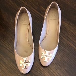 Nude Tory Burch Pumps